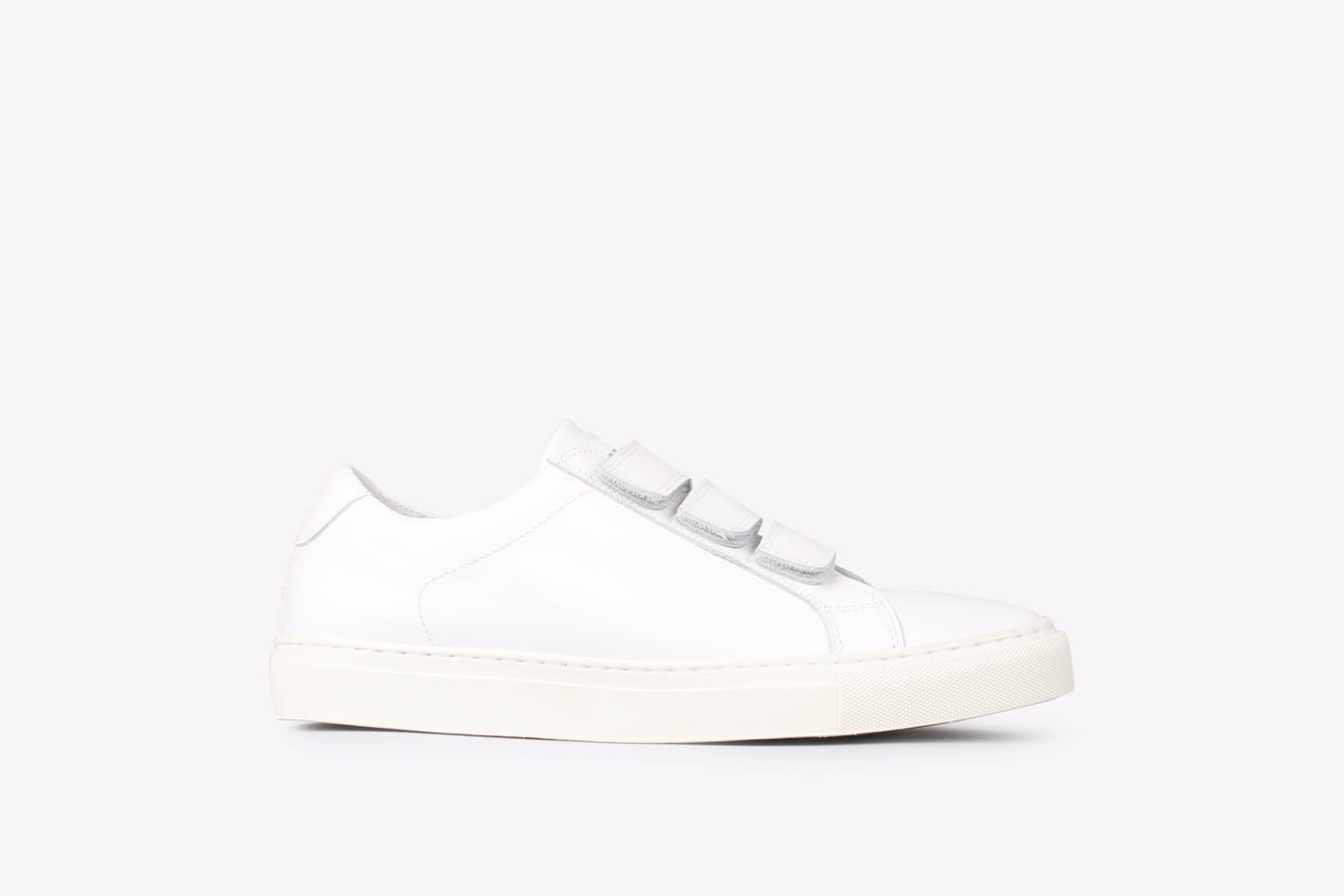 Bent velcro ox white